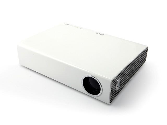 Микро-портативен LG LED проектор PA70G